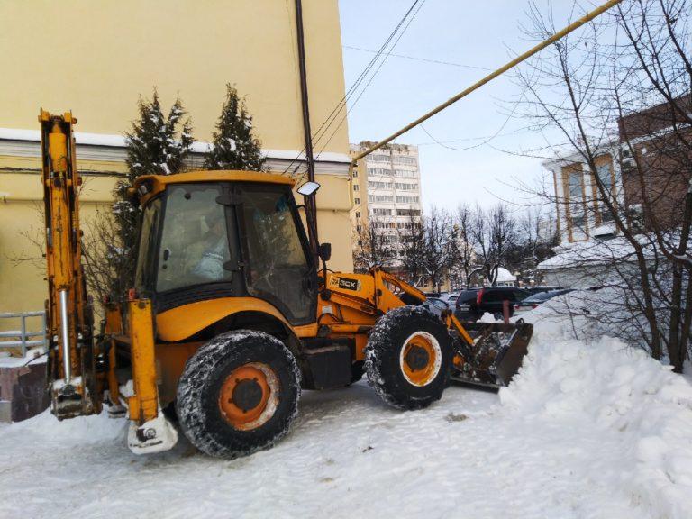 Коммунальщики Йошкар-Олы усилили работу из-за снегопада, работают без выходных