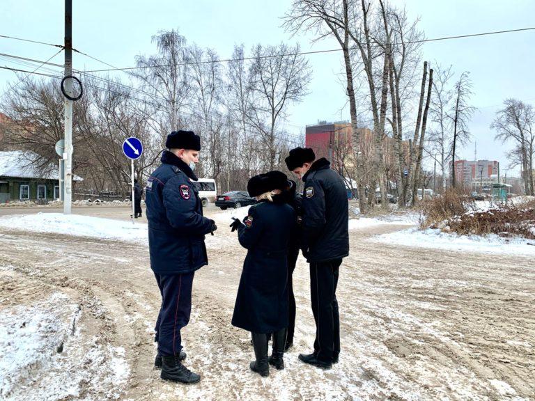 Приставы арестовали «маршрутку» в Йошкар-Оле