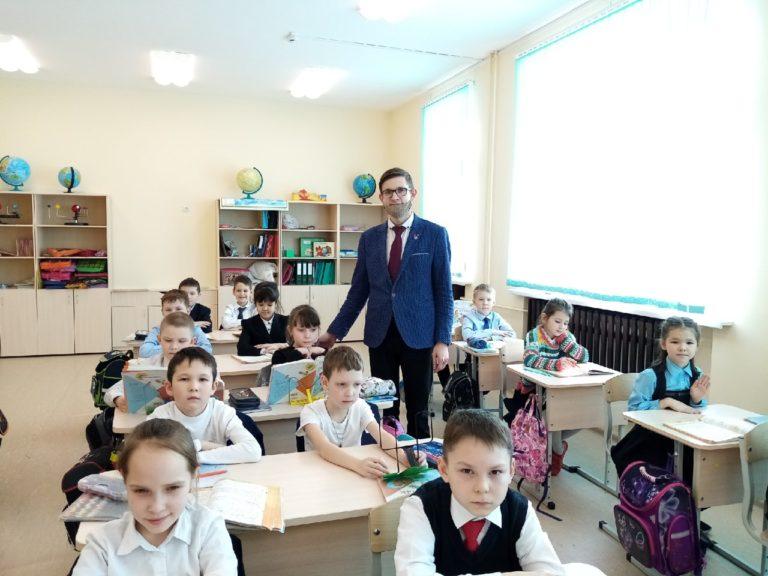 В Йошкар-Оле учителями начальных классов работают мужчины