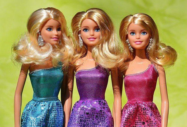 Жители Йошкар-Олы сегодня могут отметить День ди-джея и День рождения куклы Барби