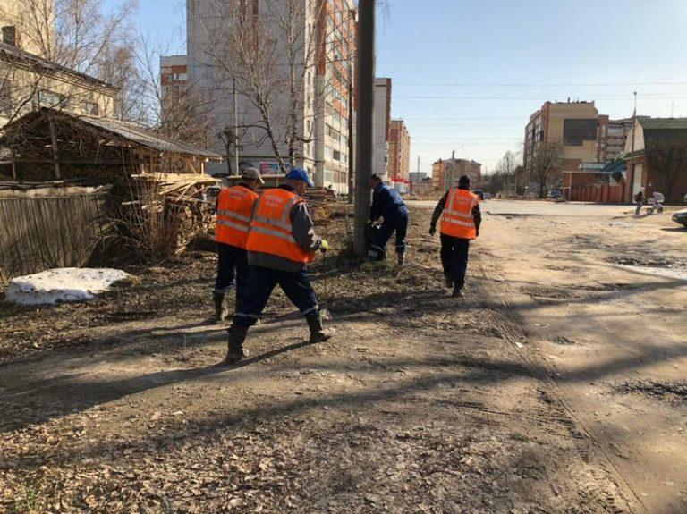 МУП «Водоканал» провел месячник чистоты на 5 улицах в Йошкар-Оле