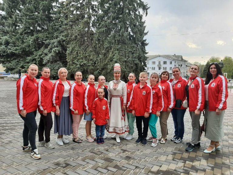Лауреатом IV Международного конкурса-фестиваля «Многоликий Кавказ» стал ансамбль «Дебют» из Йошкар-Олы