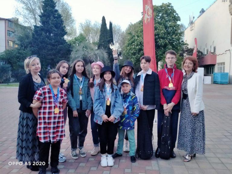 Юные скрипачи из Йошкар-Олы взяли гран-при творческого конкурса в Сочи