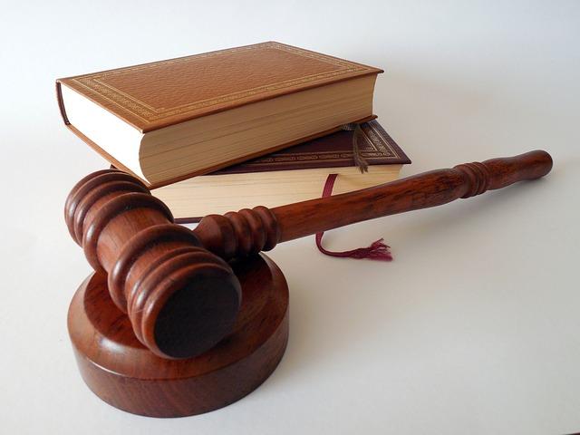 За избиение полицейского на 2 года осужден житель Волжска