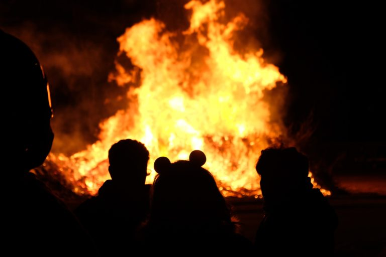 В Йошкар-Оле в двух ночных пожарах погиб 47-летний мужчина и пострадал пенсионер