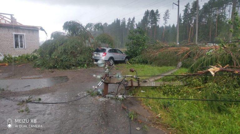 В Марий Эл из-за обрыва проводов в грозу без электричества остались 38 населенных пунктов в 4 районах
