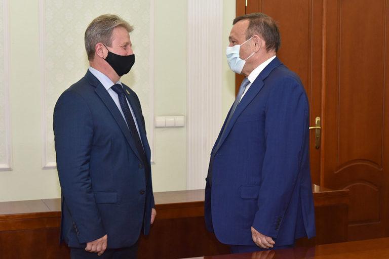 Глава Марий Эл встретился с родным братом Героя России Марка Евтюхина