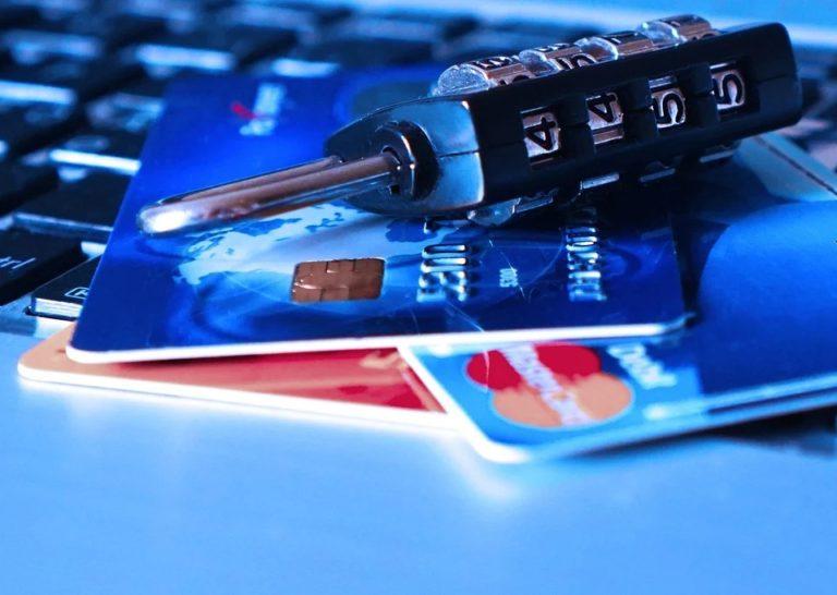 Житель Йошкар-Олы лишился 35 тысяч рублей, расплачиваясь в интернет-магазине