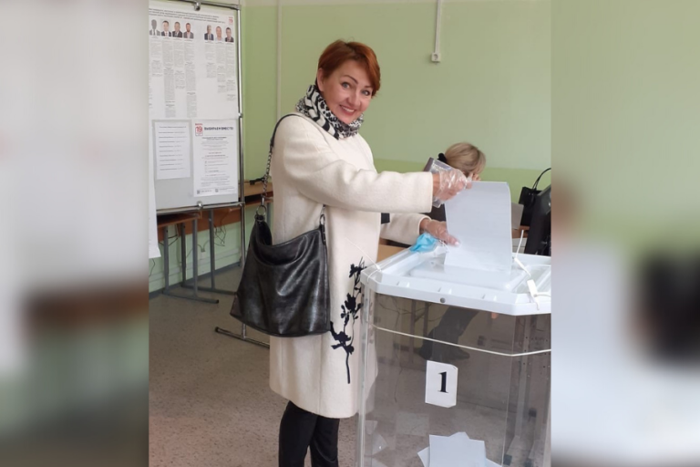 Депутат Горсобрания Йошкар-Олы приняла участие в голосовании на выборах в Госдуму