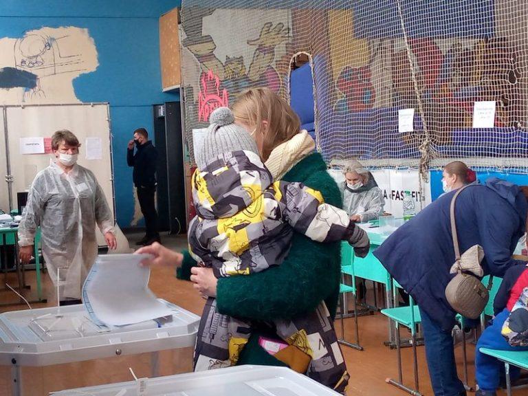 В Йошкар-Оле родители приобщают детей к выборам