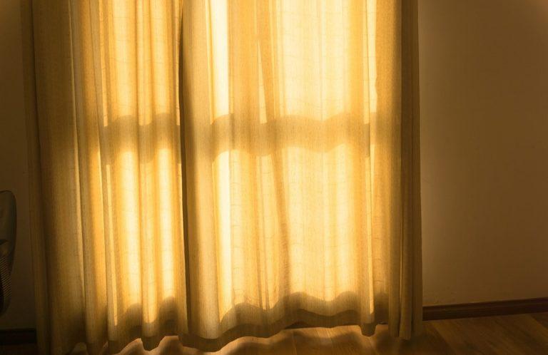 В Йошкар-Оле аферист под предлогом продажи штор украл у женщины 56 тысяч рублей