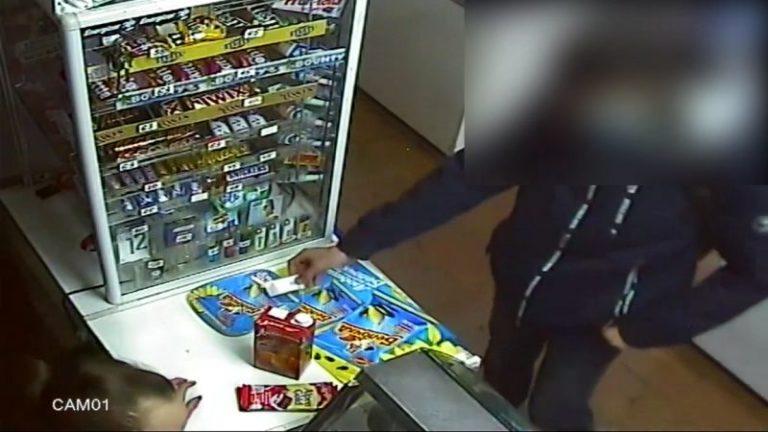 В Йошкар-Оле 18-летний парень успешно сбагрил почти все фальшивые деньги, но…